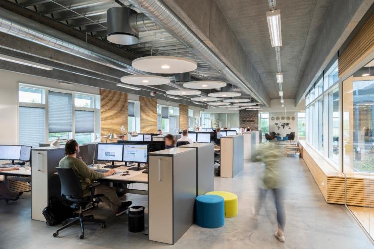 Nordjysk lagerbygning omdannet til 2.500 kvm kontordomicil