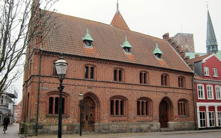 Fredningen af Det Gamle Rådhus i Ribe  bliver udvidet