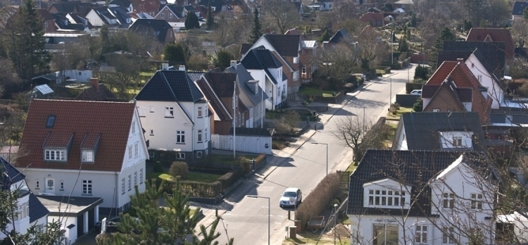 Næsten 40.000 boliger til salg