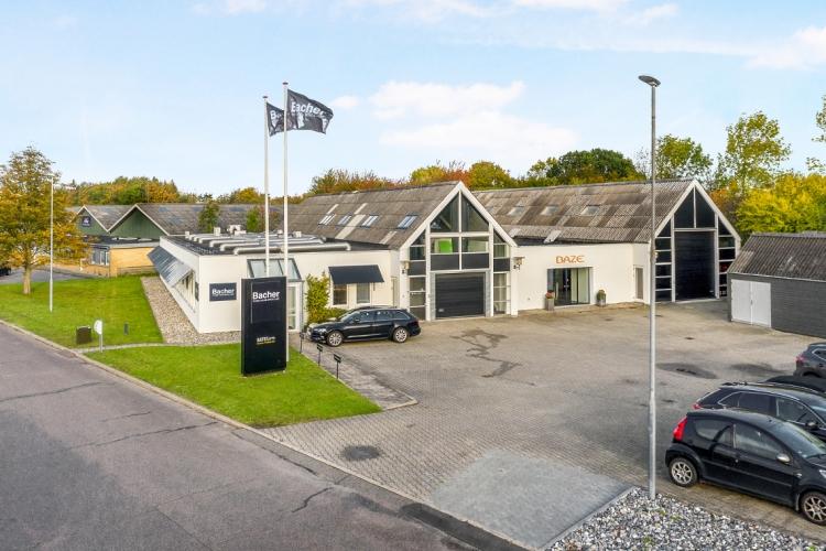 Ketcherbutik lejer 1.300 kvm kontor og lager i Odense
