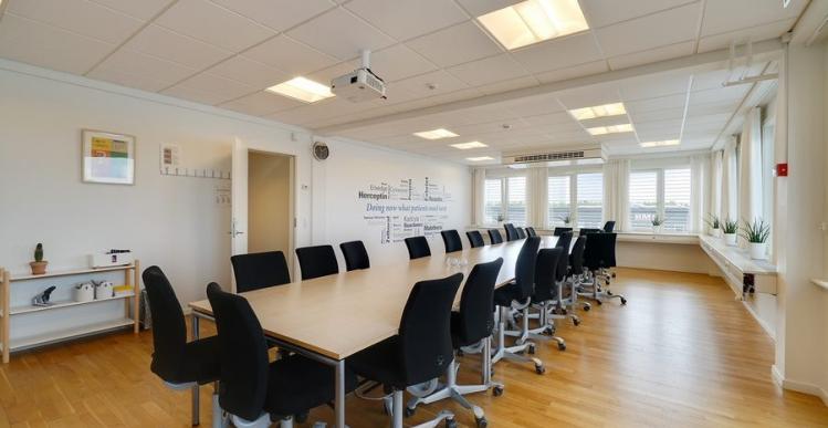 Stensdal Group køber Roche Danmarks hovedkontor i Hvidovre