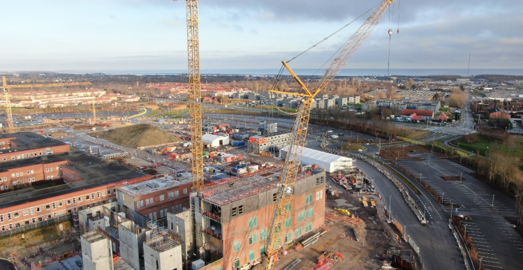 Mangel på materialer og arbejdskraft forsinker sygehusbyggeri med 6 måneder